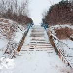 Zima nad morzem - Zejście na plażę w Pobierowie